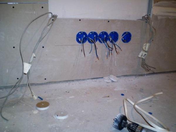 Электропроводка под гипсокартоном 08
