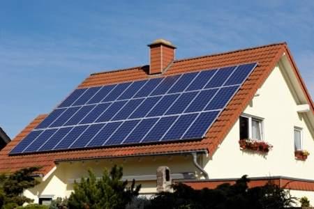 Установка солнечных панелей на наклонную крышу (2)