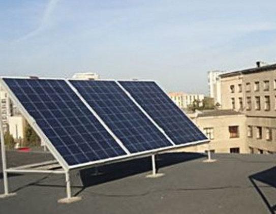 Установка солнечных панелей на плоскую крышу