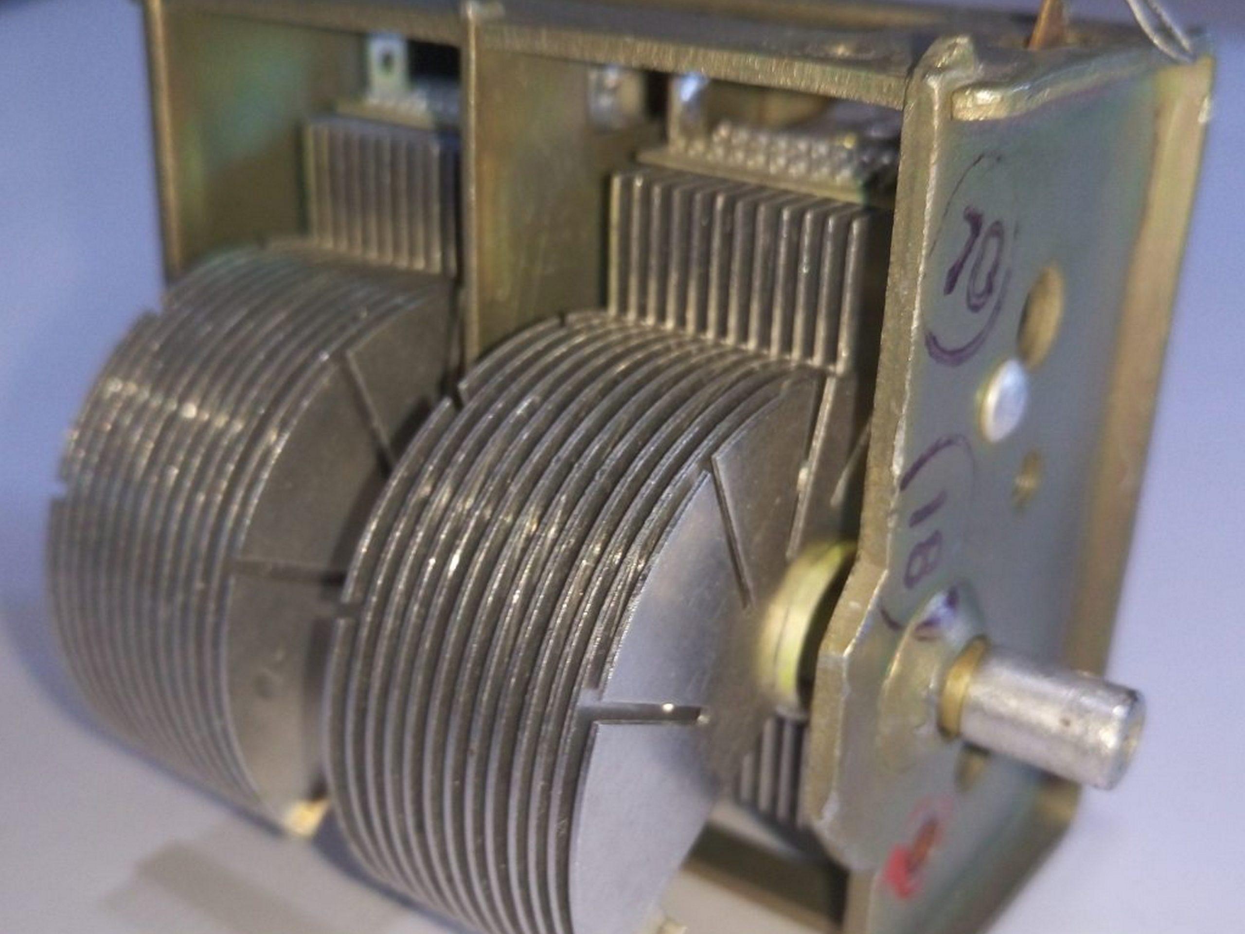 Что такое конденсатор. Принцип работы, виды, типы
