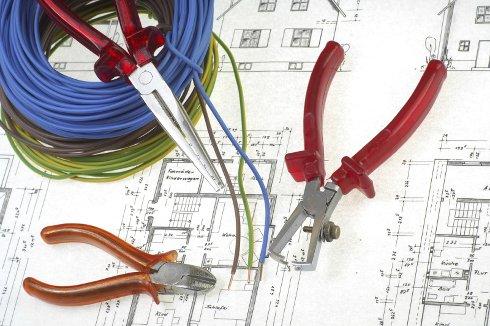 Как выбрать хорошего электрика?