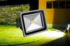 ЛЕД-прожекторы: какие бывают и для чего используются?